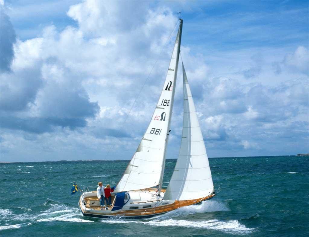 http://www.scancharter.com/wp-content/uploads/boats/9657_HR29sailing3[1].jpg